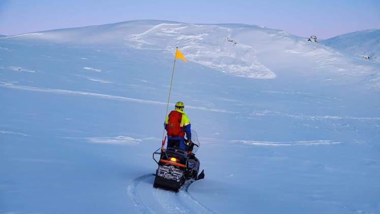 ski patrol Herman Fogelberg tunturimaisemissa
